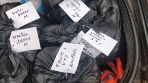 Gesorteerde kleding voor vluchtelingen